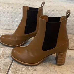 Chloe brown leather ankle boots. Size 39